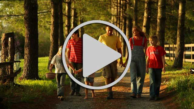 Family_walking_Video_web